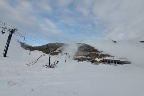 Snowmaking at Sunlight